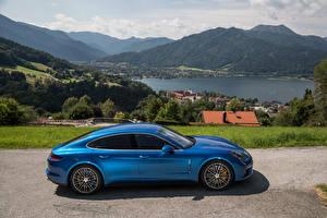 Фотография Porsche Сбоку Синяя 2016 Panamera Turbo авто