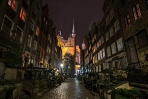 Фотография Польша Дома Храмы Гданьск Ночные Улица Уличные фонари Города