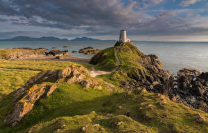 Обои Пейзаж Великобритания Побережье Маяки Облака Llanddwyn Island Anglesey Природа фото