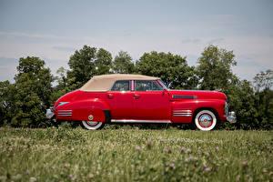 Картинки Cadillac Ретро Красный Сбоку Металлик Седан 1941 Sixty-Two Convertible Sedan Deluxe Автомобили