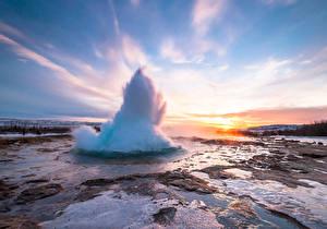 Фотографии Исландия Речка Рассветы и закаты Небо Geyser Strokkur Природа