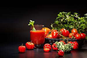 Картинки Сок Помидоры Перец овощной Стакан На черном фоне Еда