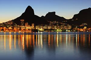 Фотография Бразилия Дома Речка Горы Рио-де-Жанейро Ночь Города