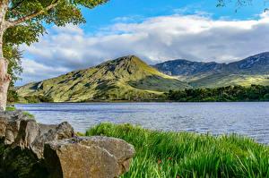 Картинки Ирландия Речка Горы Камни Трава Облака County Galway Природа
