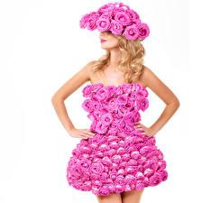 Обои Розы Блондинка Платье Дизайн Белый фон Девушки фото