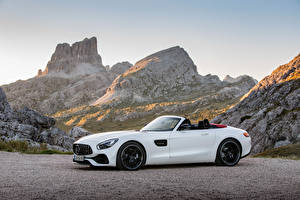 Фотографии Мерседес бенц Белый Металлик Родстер 2016 AMG GT Roadster Автомобили