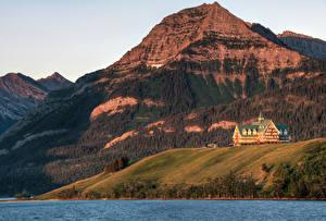 Фото Канада Парки Горы Озеро Гостиница Prince of Wales Hotel Waterton Lakes National Park Alberta Природа