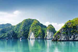 Обои Вьетнам Лодки Море Скала Ha Long Bay Природа фото