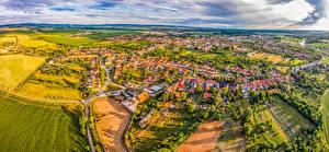 Фотография Чехия Здания Поля Сверху Uhersky Ostroh город