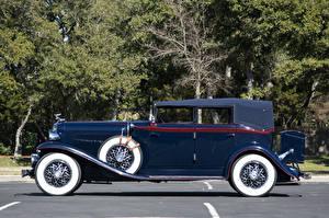 Картинки Ретро Синий Сбоку Металлик Седан 1931 Auburn 8-98 Standard Phaeton Sedan Автомобили