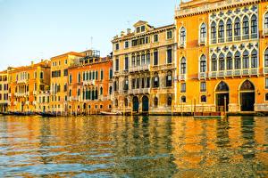 Картинки Италия Дома Венеция Водный канал Города