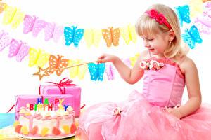 Фотографии День рождения Торты Бабочки Девочка Платье ребёнок