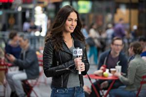 Фотографии Megan Fox Черепашки-ниндзя 2014 Куртка Кино Знаменитости Девушки