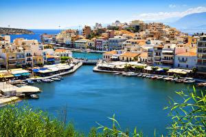 Обои Греция Побережье Дома Причалы Лодки Катера Agios Nikolaos Crete Города фото