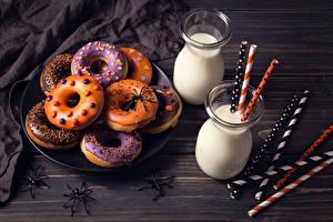 Картинка Выпечка Молоко Хеллоуин Пауки Пончики Стакан Двое Еда