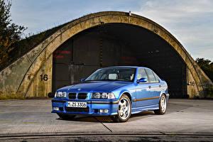 Фотография BMW Металлик Синий Седан 1994-98 M3 Sedan Worldwide автомобиль