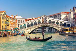 Фотография Италия Мосты Дома Лодки Венеция Rialto Bridge, Grand Canal Города