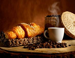 Обои Круассан Кофе Зерна Чашка Еда фото