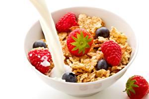 Обои Мюсли Клубника Молоко Малина Завтрак Еда фото