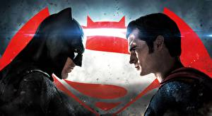 Фотографии Супермен герой Бэтмен герой Маски Бэтмен против Супермена: На заре справедливости Мужчины Генри Кавилл Бен Аффлек Вдвоем Henry cavill Кино Знаменитости