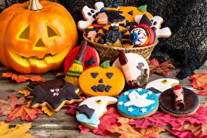 Обои Праздники Хеллоуин Выпечка Тыква Печенье Дизайн Листья Еда фото