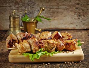 Фотография Мясные продукты Шашлык Разделочная доска Еда