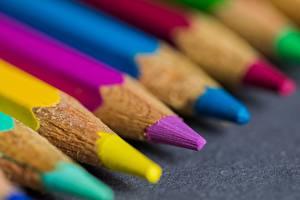 Фото Крупным планом Макросъёмка Карандаши Разноцветные