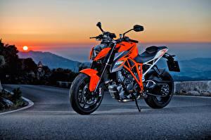 Обои KTM Мотоциклы Асфальт Оранжевый 2014-16 1290 Super Duke R Мотоциклы фото