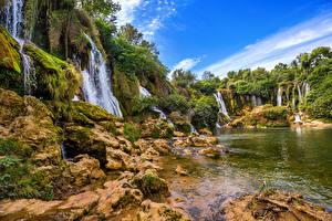 Обои Босния и Герцеговина Водопады Скала Мох Kravice waterfall Природа фото
