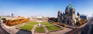 Обои Берлин Германия Храмы Дома Парки Осень Газон Cathedral at Lustgarten park Города фото