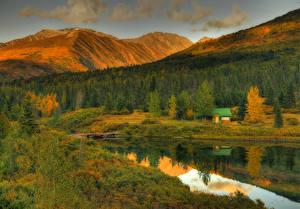 Обои США Горы Осень Леса Озеро Дома Аляска Cottage on Lake Природа фото