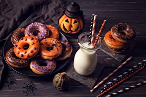 Обои Выпечка Хэллоуин Молоко Тыква Пончики Стакана Продукты питания