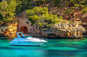 Картинка Испания Яхта Море Мальорка Майорка Скалы Mediterranean sea Природа