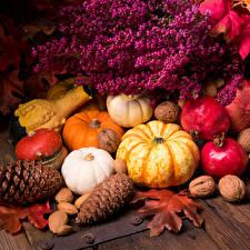Обои Тыква Гранат Осень Орехи Шишки Листья Еда фото