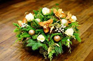 Обои Букеты Розы Орхидеи Шарики Ветки Цветы фото