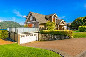 Обои Дома Ландшафт Особняк Дизайн Кусты Гараж Города фото