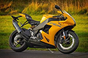 Фото Желтый Сбоку 2013-16 EBR 1190RX Мотоциклы