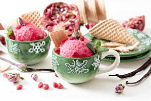 Обои Сладости Мороженое Гранат Шарики Зерна Еда фото