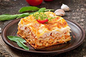 Обои Вторые блюда Перец Лазанья Тарелка Еда фото