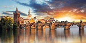 Фотографии Мосты Реки Чехия Прага Карлов мост Башни Города