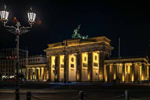 Фотография Германия Дома Ночь Уличные фонари Brandenburger Tor Города