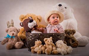 Обои Игрушки Мишки Младенец Шляпе Корзина Дети