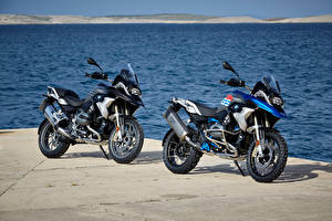 Обои BMW - Мотоциклы Побережье Двое 2004-16 R 1200 GS Мотоциклы фото