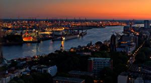 Обои Гамбург Германия Дома Реки Причалы Ночь Водный канал Города фото