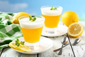 Фотография Напитки Коктейль Лимоны Стакан 2 Блюдце Ложка Еда