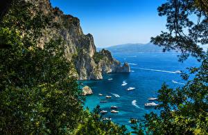 Картинки Италия Берег Яхта Парусные Скала Capri Природа