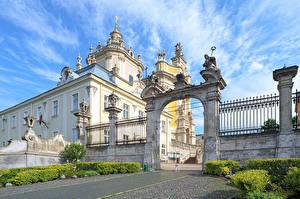 Фотографии Украина Храмы Львов Ограда Арка Города