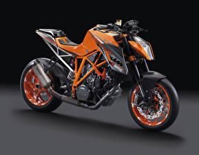 Фото KTM Мотоциклы Черный фон 2014-16 1290 Super Duke R Race Package