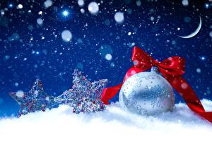 Картинка Праздники Рождество Полумесяц Снег Шар Снежинки Бантик Луна