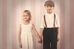 Обои Мальчики Девочки Двое Платье Дети фото